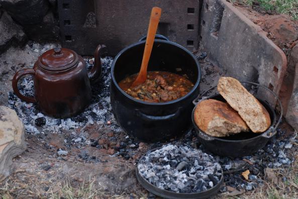 Roo Tail Stew n Spelt Damper n tea